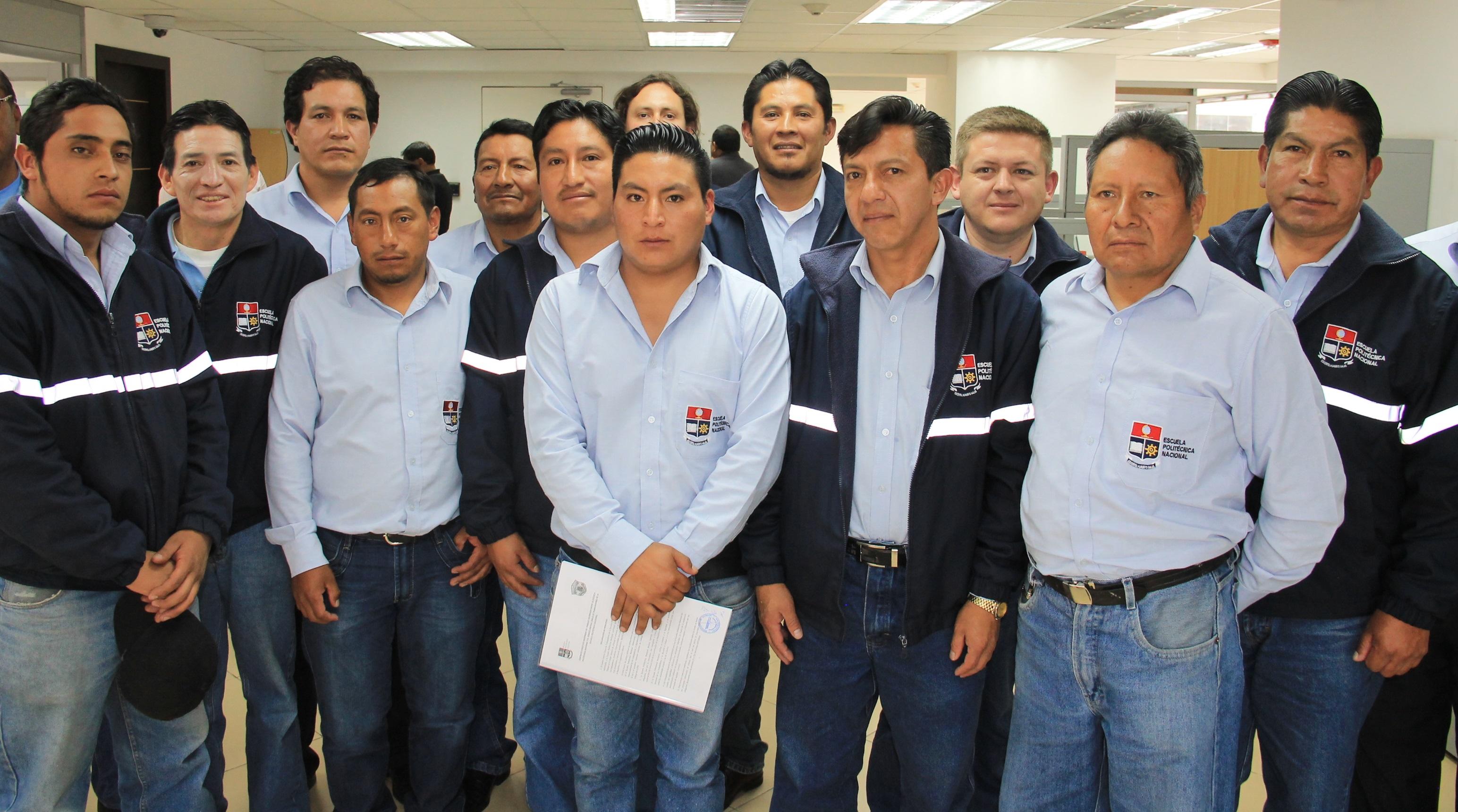 Escuela polit cnica nacional trabajadores de la epn se for Sindicato jardineros